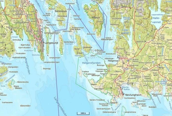 Rett vest for Helgeroa ligger den lille holmen Låven som et bevis på at det ikke er størrelsen det kommer an på. (Kart: Kartverket)