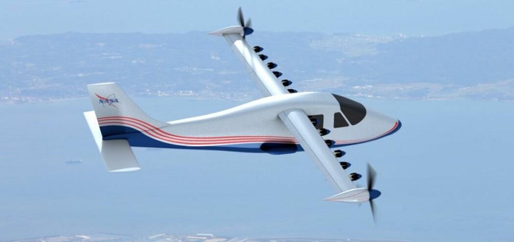 NASAs elektriske forsøksfly X-57 Maxwell henter skroget fra et italiensk tomotors turbopropfly, men vingene er mye smalere og tilpasset minst mulig luftmotstand ved marsjhastighet. Under avgang og landing blir disse vingene for smale til å gi nok løft ved den lave farten. Da hjelper de mange små propellene til ved å gi ekstra framdrift og blåse ekstra luft over vingen. Dette gir økt løft. Prinsippet kalles distribuert framdrift. (Illustrasjon: NASA Graphic / NASA Langley/Advanced Concepts Lab)
