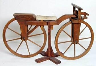 Kopi av Kielland-familiens løpemaskin. Originalen befinner seg i samlingene til Stavanger museum. Klikk på bildet for større versjon.(Foto: Norsk teknisk museum)