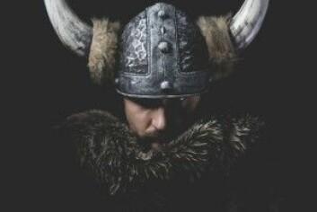 Den er historisk ukorrekt – men alle som er vokst opp i Nord-Europa, kan gjenkjenne vikinghjelmen med horn. (Foto: Fernando Cortes / Shutterstock / NTB scanpix)