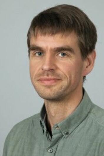 UiO-professor Olav Skarpaas er en av forskerne som nå definerer, kategoriserer og systematiserer alle typer natur i Norge for å fremme videre forskning og god naturforvaltning. (Foto: UiO)