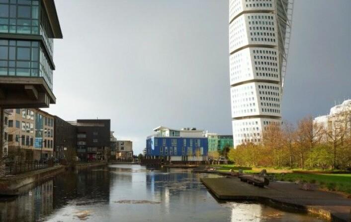Til tross for at Västra hamnen i Malmö har blitt internasjonalt anerkjent som miljøfyrtårn er det materielle forbruket blant innbyggerne i bydelen langt større enn i Sverige forøvrig. (Foto: Helena Nordh)