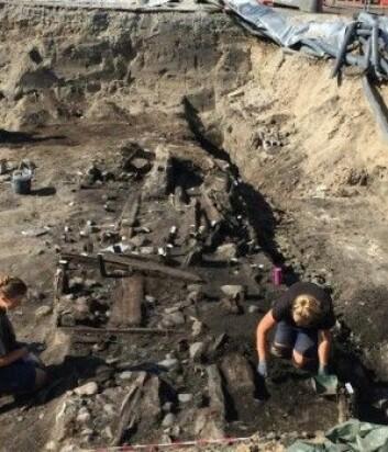 Her graves restene av middelaldermarkedsboder ut fra Overgade. Kanskje har en av dem handlet med lær, sko eller pels? (Foto: Odense Bys Museer)