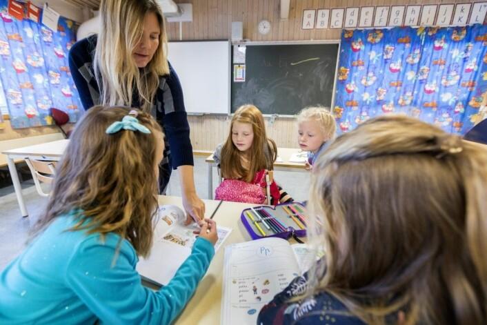 Det finske ThinkMath-prosjektet vært prøvd ut på finske barn opptil cirka åtte år. – Også vi har den effekten at når intervensjonen er slutt, øker ikke barnas ferdigheter langs samme kurve lenger. Det forteller oss at de lavtpresterende barna antakelig trenger en konstant støtte i læringen. For å si det på en annen måte: Den vanlige undervisningen i klasserommet hjelper dem ikke til å nå potensialet sitt, sier professor i spesialpedagogikk, Pirjo Aunio. (Illustrasjonsfoto: Gorm Kallestad / NTB scanpix)