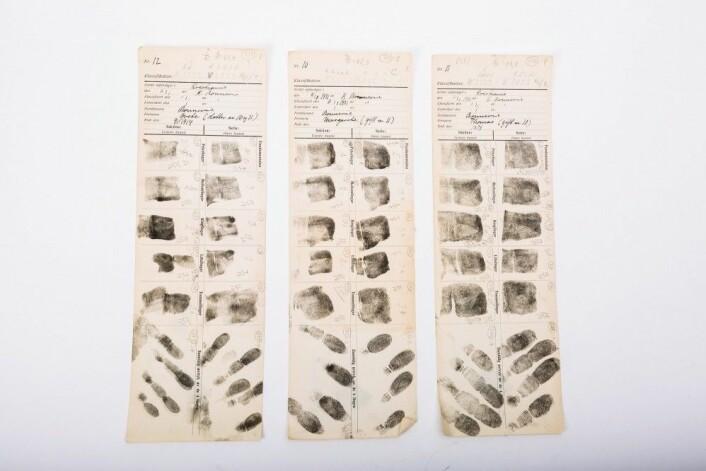 Fingeravtrykk ble den gang delt opp i de tre mønsterkategoriene buer, sløyfer og virvler. Bonnevie slo fast at nordmenn og briter, i motsetning til asiater, hadde lav hyppighet av virvler. (Foto: MUV/UiO)