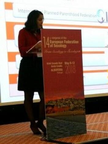 Amira Maamri jobber for å gi tunisisk ungdom god seksualundervisning. (Foto: Marianne Nordahl)