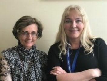 Ingrid B. Helland (t.v) er leder for Nasjonal kompetansetjeneste for CFS/ME og Elin B. Strand er forsker og ansatt i Kompetansetjenesten. De mener at Norge ligger langt framme i forskningen på CFS/ME. I dag samles det inn mye biologisk materiale som kan gjøre norsk forskning enda mer interessant i framtiden. (Foto: Siw Ellen Jakobsen)