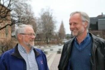 UiO-professorene Håkon Austrheim (t.v.) og Bjørn Jamtveit (t.h.) er strålende fornøyd med at forskningsfunnet deres er publisert i Nature. (Foto: Gunhild M . Haugnes / UiO)