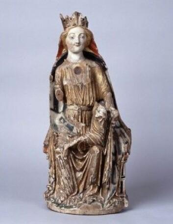 Grong-madonnaen er svært godt bevart med tanke på at hun er omlag 700 år. (Foto: Per Fredriksen / NTNU Vitenskapsmuseet)
