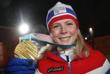 Maren Lundby (23) tok gull for Norge mandag 12. februar med et skihopp som beskrives som ett av de største øyeblikkene i norsk sportshistorie. Hva gjør det for den norske folkehelsen? (Foto: Cornelius Poppe / NTB scanpix)