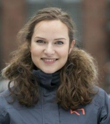 Annette Aarup (23) går første året på grunnskolelærerutdanningen ved OsloMet. Hun sier at hun valgte utdanning med både hodet og hjertet – men mest med hjertet. Hun er utdannet skuespiller og har skuespillerjobben med barneteater som ekstrajobb ved siden av studiene. (Foto: Sonja Balci)