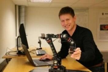 Kim Mathiassen underviser i dag i robotikk. Her en av robotene som blir brukt i undervisningen. (Foto: Gunhild M. Haugnes/UiO)