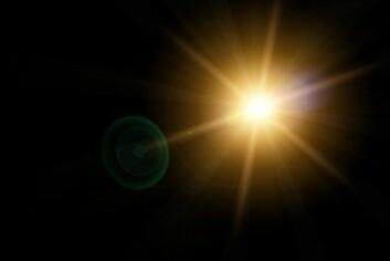 Eksoplaneter lyser ikke opp som stjerner, så man oppdager planetene når de går i bane rundt stjernen. Det oppstår et lite fall i lyset fra stjernen når planeten svever inn foran og skygger for lyset. (Illustrasjon: frenky362 / Shutterstock / NTB scanpix)
