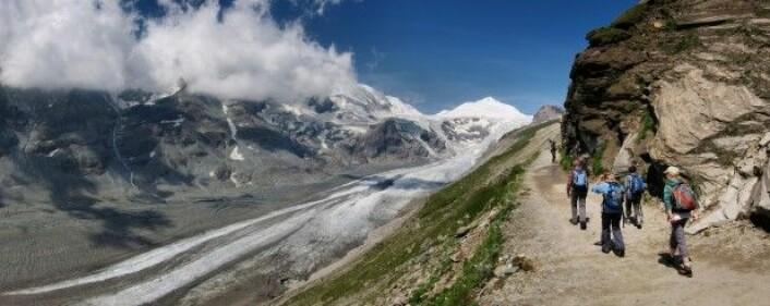 Hvert år besøker mer enn 800 000 turister Pasterze-isbreen i de østerrikske Alpene. Men hva skjer når det ikke lenger er en isbre å se? (Foto: Remigiusz / Shutterstock / NTB scanpix)