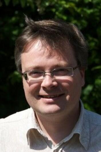 Håkon Dahle ved Institutt for astrofysikk ved UiO tviler på at det er utenomjordiske som står bak signalene.