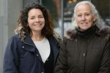 Elisabeth Wiken Telenius og Birgitta Langhammer mener sykehjemmene bør ansette flere fysioterapeuter, ergoterapeuter og aktivitører. (Foto: Sonja Balci)