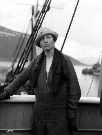 Louise Boyd var en amerikansk eventyrer. Hun utforskert Grønland og de arktiske områdene og skrev flittig om oppdagelsene sine. I 1955 ble hun den første kvinnen som fløy over Nordpolen. I den nye studien er flere av bildene hennes fra overflyvning av Grønland blitt brukt til å kartlegge hvordan isbreene har utviklet seg. (Foto: Anders Beer Wilse)