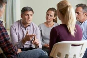 I tillegg til undervisningen ga gruppemøtene muligheter for at foreldrene kunne dele erfaringene sine med hverandre. (Foto: SpeedKingz / Shutterstock / NTB scanpix)
