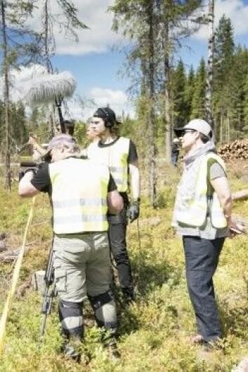 Et eget film-team fra Discovery Channel Canada laget reportasje om den beltegående lassbæreren. (Foto: Lars Sandved Dalen / NIBIO)