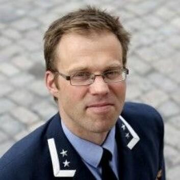 Tror egentlig Forsvaret at krig angår oss? spør Harald Høiback. (Foto: Forsvarets høgskole)