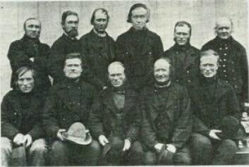 Slik så Selbu kommune sin fattigkommisjon ut i 1887. Fra 1864 hadde Selbu kommune i Trøndelag kunnet kreve inn fattigskatt sammen med inntektsskatten. Men å fordele skatten til verdig trengende var ingen lett oppgave. (Bilde fra Bygdeboka for Selbu)