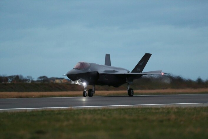 Slik så det ut da F-35 landet i Norge for aller første gang, 3. november. I dag, 10. november er det mottaksseremoni på Ørland kampflybase. (Foto: Torbjørn Kjosvold, Forsvaret)