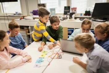 Å bli betraktet som «klassens flinke elev» kan påvirke hvor mye eleven lærer og hvordan eleven har det sosialt. (Illustrasjonsfoto: Syda Productions / Shutterstock / NTB scanpix)