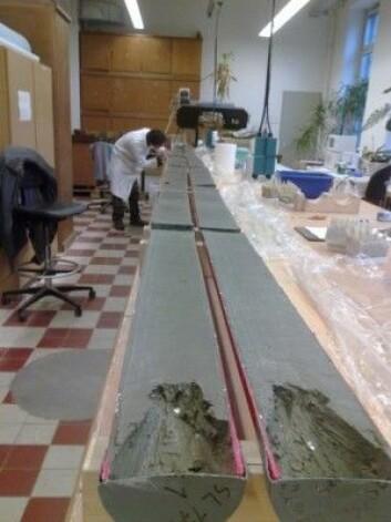 Forskerne fant svarene om fortidens havoverflatetemperaturer under Yngre Dryas i en syv meter lang sedimentkjerne som ble hentet fra havbunnen i Baffinbukta. (Foto: Arto Miettinen / Norsk Polarinstitutt)