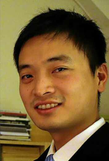 Xiaolong Lin forsker på fjærmygg. (Foto: NTNU Vitenskapsmuseet)
