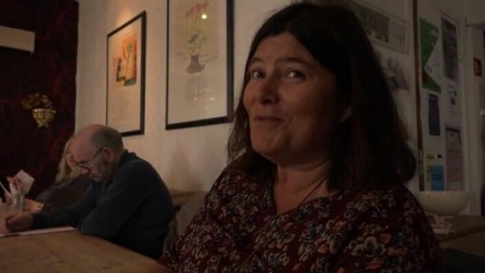 Ann Karina Sogge gikk fra å jobbe i politiet til å bli dagligleder i Kirkens bymisjon i Tromsø. (Skjermdump fra YouTube)