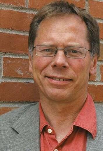Professor Lars Inge Terum er redd for at praksisen ved Nav-kontorene kan bli for uforutsigbar for klientene.