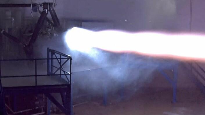 Motorprøve av tidlig utgave av Raptor, september 2015. (Foto: SpaceX)
