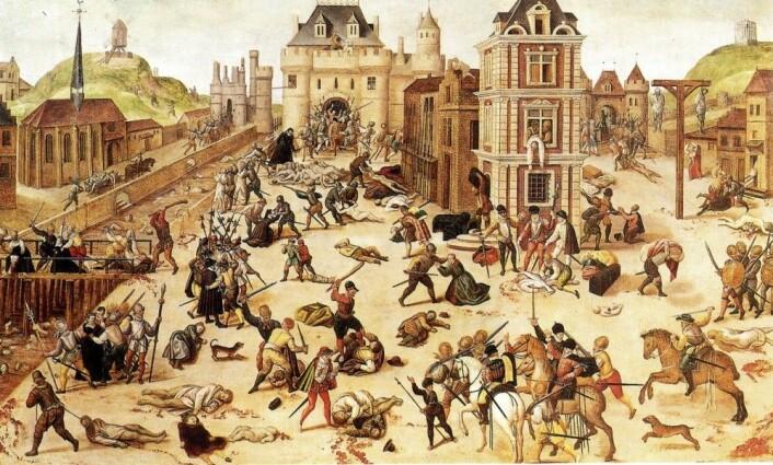 Bartolomeusnatten 24. august 1572 i Paris ble starten på en massakre der katolikker drepte et sted mellom 5000 og 30 000 protestanter. Da nyheten om massakren nådde Vatikanet, lot Paven avfyre salutter og kirkeklokkene ringe. Massakren overbeviste protestanter over hele Europa om at katolisismen var en blodig religion de ville vekk fra. (Maleri av Francois Dubois)