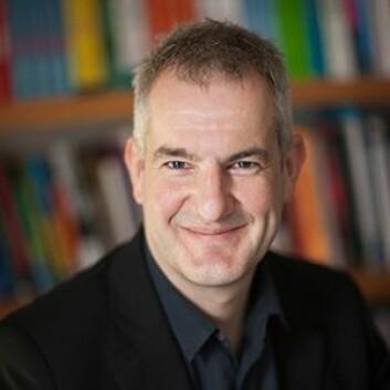 Professor Daniel Freeman mener behandling mot søvnløshet bør bli prioritert i psykisk helsevern. (Foto: University of Oxford)