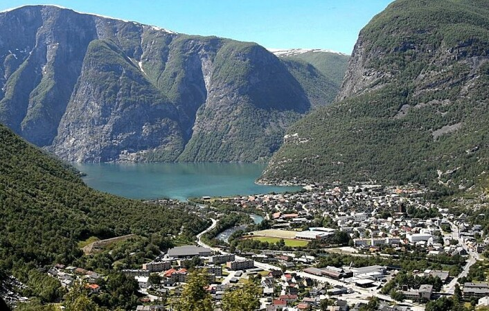 I dag er Øvre Årdal et industristed med over 3000 innbyggere. Aluminiumsverket er viktigste arbeidsplass. (Foto: Gauillaume Baviere/Wikimedia Commons)