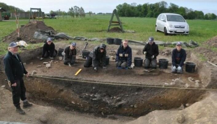 Systemgraven fra Vasagård Vest. Flere steder er bunnen ren skifer, noe som betyr at de folkene som har gravd graven, har hugget den ut. (Foto: Bornholms Museum)