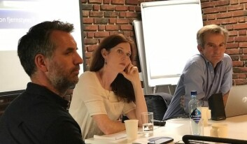 Audun Beyer (t.v), Kjersti Thorbjørnsrud og Jan-Paul Brekke har studert hvordan myndighetene forsøkte å påvirke potensielle asylsøkere via Facebook i 2015. (Foto: Siw Ellen Jakobsen)