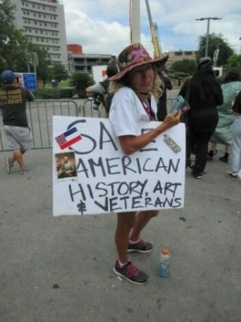 Majoriteten av hvite fra sørstatene ønsker å bevare statuene, sier Jørn Brøndal. Årsaken kan være at de har hørt en falsk versjon av historien om borgerkrigen. (Foto: Infrogmation of New Orleans)
