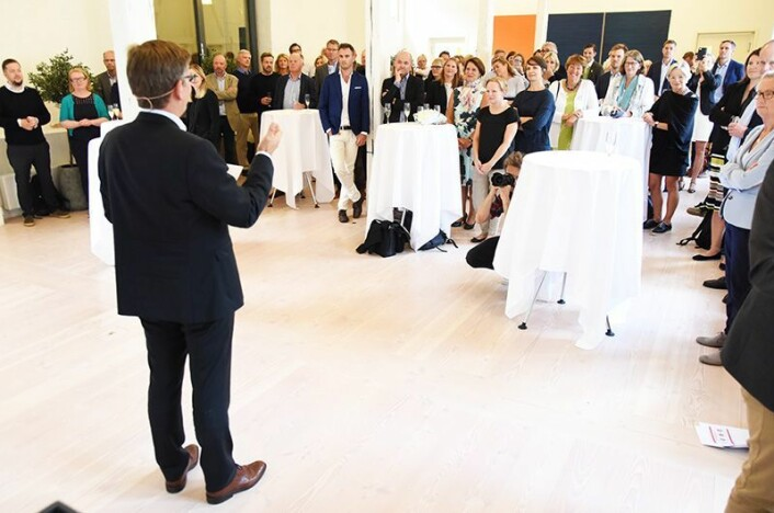 UiO-rektor Svein Stølen presenterte rektorteamet sitt og visjonane dei har for Universitetet i Oslo og kunnskapshovudstaden Oslo. Forsamlinga var sett saman av samfunnstoppar frå forsking, næringslivet og organisasjonslivet. (Foto: Ola Sæther)