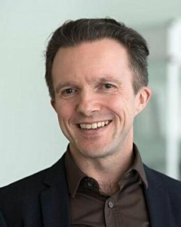 Psykologiprofessor Per Einar Binder ved UiB forsker på terapier med blant annet mindfulness-meditasjon. (Foto: Universitetet i Bergen)