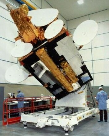 Satellitten Olympus fikk forkortet levetiden av en mikrometeoride som traff under en meteorsverm. (Foto: ESA)