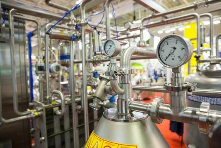 Pasteurisering er en varmebehandling som brukes til å uskadeliggjøre mikroorganismer – bakterier, gjær og muggsopp – i øl, melk, juice, øl og eddik, men også visse kjøttprodukter som skinke. (Foto: Belish / Shutterstock / NTB scanpix)
