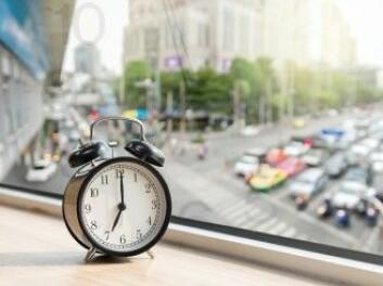 Det kan hjelpe på nattesøvnen hvis man velger ut et rom mot gården som soverom når man bor i byen, sier Nina Roswall. (Foto: TZIDO SUN / Shutterstock / NTB scanpix)