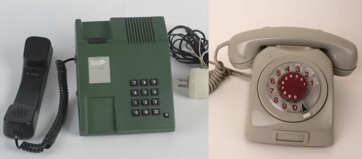 Ord for gamle dingser dør ofte når teknologien utvikler seg. Ordet tastafon har allerede forsvunnet. Snart kan fasttelefon lide samme skjebne. Telefonen med taster (til venstre) fikk sitt eget navn for å skille den fra den eldre dreietelefonen (til høyre). (Foto: Telemuseet CC 2.0 og Ola Nordal CC 3.0, montasje forskning.no)
