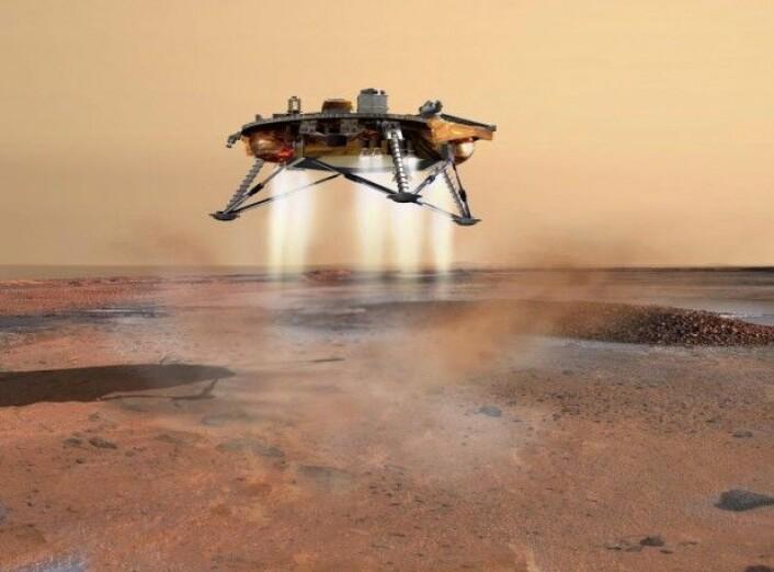 Romfartøyet Phoenix var det første som fant perklorater på Mars, i 2008. Siden er funnet også bekreftet av Mars-roveren Curiosity. Perklorater er kjemiske stoffer som blant annet er kjent for å bli brukt som ingrediens i drivstoff til romfartøy. På jorden studeres forurensning med perklorater grundig fordi de kan påvirke menneskers helse. (Kunstnerillustrasjon: NASA/Corby Waste)