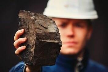 Fornybar energi skal utgjøre 30 prosent av den globale elektrisitetsforsyningen om tre år, oppfordrer kommentaren. Alle kullfyrte kraftverk skal tas ut av drift, og det skal ikke oppføres nye etter 2020. (Foto: Jaromir Chalabala / Shutterstock / NTB scanpix)