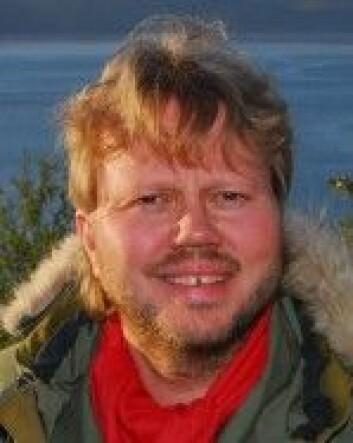 Øyvind Ravna er professor ved Det juridiske fakultetet, UiT Norges arktiske universitet. (Foto: UiT)