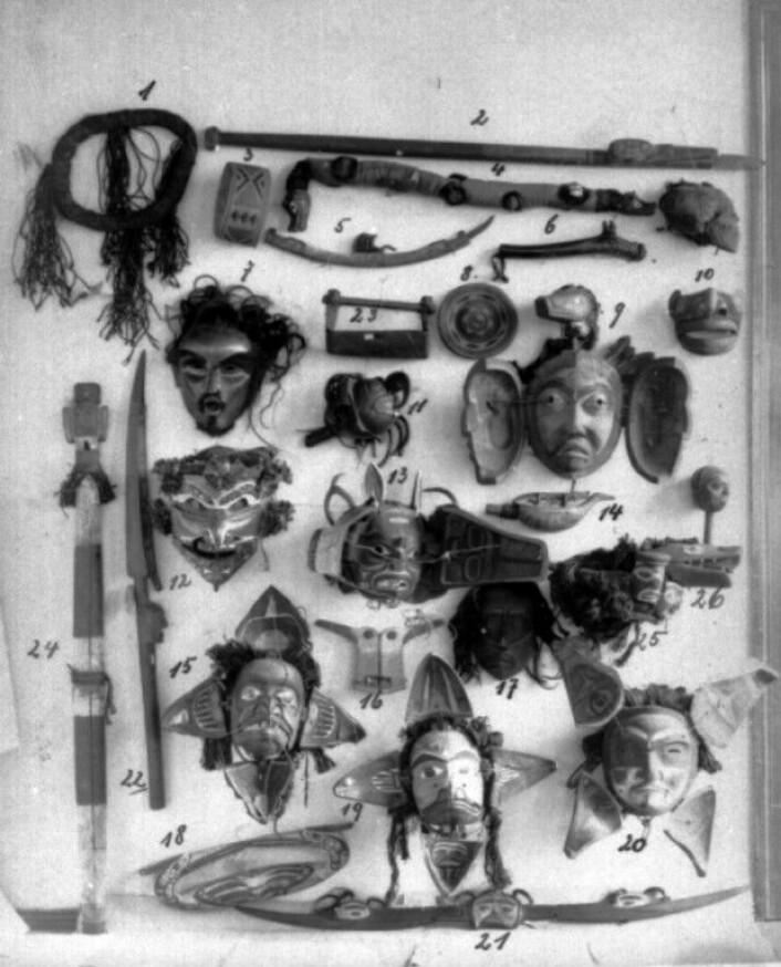 Gjenstander Jacobsen samlet fra indianerne på nordvestkysten av Amerika i 1881. (Foto: Museum für Völkerkunde, Hamburg)