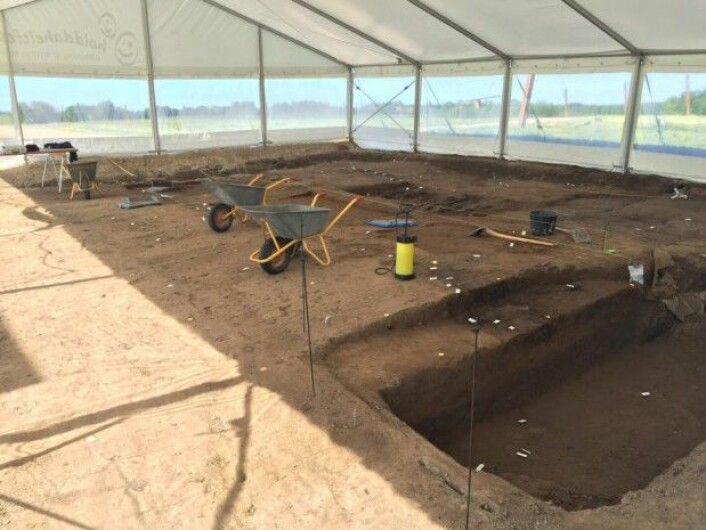 Arkeologene graver i Nordporten, Borgrings hovedinngang, i en måned. Senere går de over til midten av borgen. (Foto: Charlotte Price Persson)