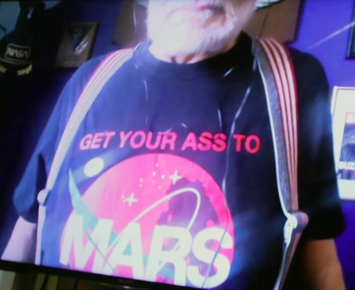 T-skjorta til Buzz Aldrin sa sitt. (foto: Lasse Biørnstad/forskning.no)